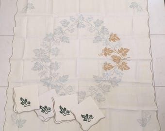 Stamped Linen Card Table Tablecloth + Napkin Set Crewel Embroidery Cross Stitch Leaf Pattern