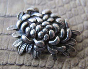 "Studio Artish 1940s Signed ""JO MICHELS Sterling"" Silver Japan-Styled Chrysanthemum Flower Brooch. Collectors Finely Made Signed Silver Pin"