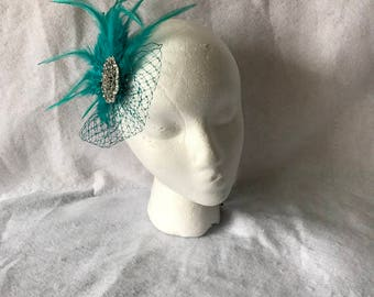 Turquoise bridal  feather wedding fascinator headpiece, bridesmaids feather hair piece, turquoise feather hair clip