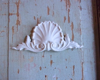 Shabby Chic FURNITURE APPLIQUES Architectural Crest Flexible Paintable No limit shipping 5.95 USA