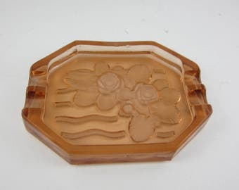 peach glass french art deco 1920s ashtray flower detail shabby chic farmhouse decor