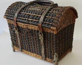 Antique French Ladies Basket Purse