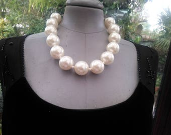 large statement pearl necklace good heavy quality two tone sent in pretty gift box