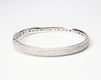 18k White Gold Diamond Pave Hinged Bangle Bracelet - Stunning