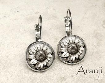 Sunflower art earrings, sunflower earrings, sunflower drop earrings, sunflower photo earrings, white flower earrings, sunflower PL158LB