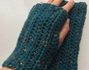 Hand Crochet Fingerless Gloves / Wrist Warmers / Mittens / 25% Tweed Wool / Green