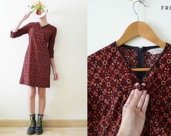 VTG 90s Maroon Cheongsam / QiPao mini dress with gold glitter flower printed,3/4 sleeve,Chinese button at front, Asian,Oriental, grunge, S-M
