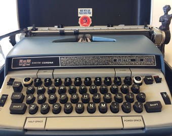 Vintage Electric Typewriter ELECTRA 120 Smith Corona Typewriter Blue White & Hard Case Mid-Century Portable Electric Typewriter Retro Office