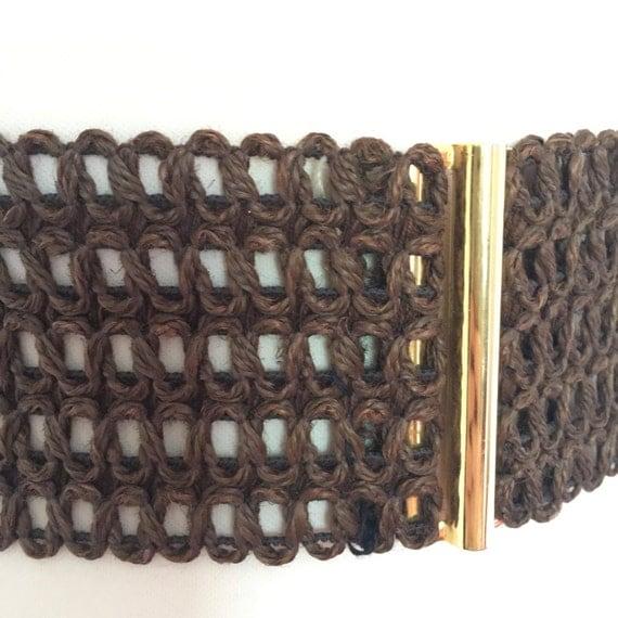 Vintage waist belt elasticated waspie brown raffia knitted gold clasp gold clip wide belt 1980s 1950s