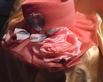 Vintage Evelyn Varon Exclusive Peach Straw Hat