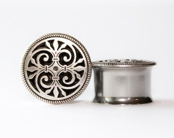Clearance: Classic Silver Metal Plugs, gauges   9/16, 5/8, 3/4, 7/8