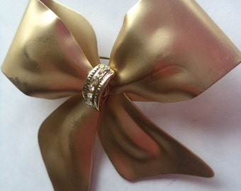 Vintage Unsigned Large Goldtone/Rhinestone  Bow Brooch/Pin  Fabulous