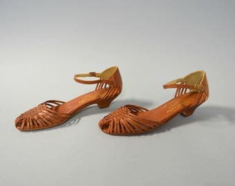 1980s woven leather ankle strap sandals - size 7