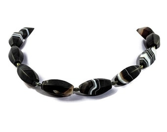 Black grey silver necklace, agate beads modern necklace, Botswana agate fashion necklace, magnetic lock, womens necklace, unique necklace