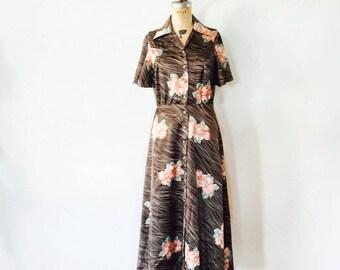 Vintage Floral Maxi Dress / Shirtdress / Seventies 1970s 70s / Size Medium