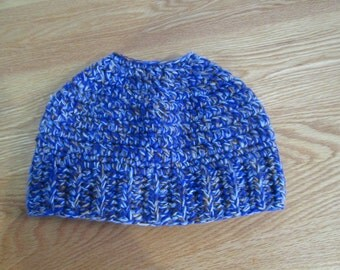 Messy Bun Ponytail Beanie, Ladies Ponytail Hat, Trendy Beanie, Messy Bun Hat, Top Knot Hat, Ready to Ship, Made in Canada