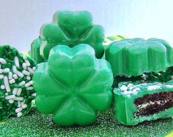 24 Mini Shamrock Chocolate Oreos  ~  Irish Wedding Favor ~ Chocolate Covered Oreo Cookies ~ St Patricks Day Oreo Wedding Favor Candy