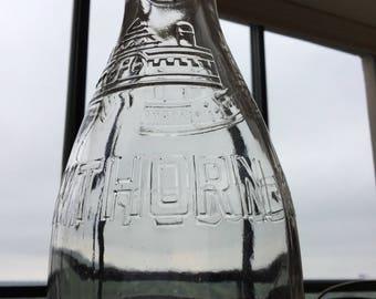 "Vintage Hawthorn Mellody Farms Dairy milk bottle, 1 quart, 8 1/2"" tall, 4 1/2"" wide"