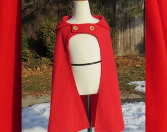Red Riding Hood Cloak with Wood Buttons,  sz 6-7 Large - *short