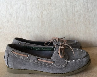 Preppy Eddie Bauer Grey Suede Leather Loafer Slip on Boat Shoe Womens Size 8 80s style