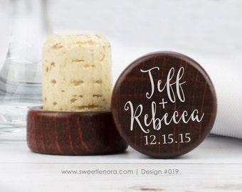 Personalized Wine Stopper - Simple Names - Custom Wine Stopper - Wood Wine Stopper - Wedding Favor - Wedding Gift - 019