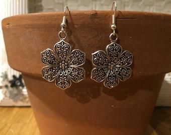 Silver Flower filigree earrings