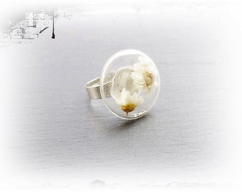 Glass ring with dried flowers