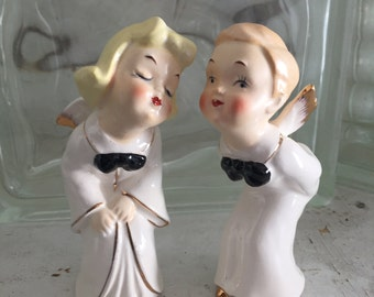 Vintage Set of Two Kissing Angels, Relco Salt and Pepper Shakers, Vintage Made in Japan Ceramics