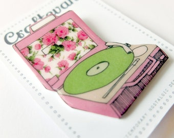 Retro floral record/vinyl player Brooch
