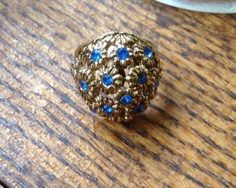 Vintage Reproduction Goldtone Costume Ring wirh blue crystals -Adjustable