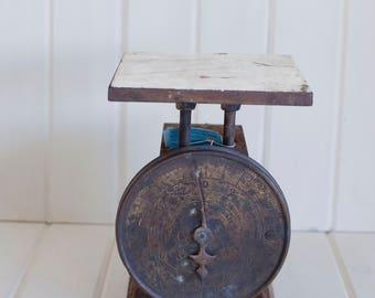 Vintage Antique Rusty Brown Black scale, rustic scale, primitive scale, kitchen scale, home decor, Royal scale