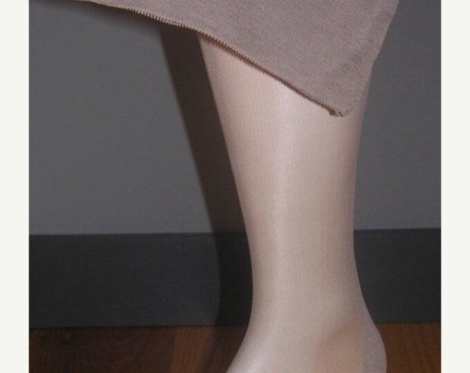 """30% OFF 1 pair Vintage seamed nylon stockings size 10 1/2 X 31 1/2"""" Taupetone WWII era"""