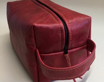 Mens leather toiletries bag, gifts for him, ladies red leather washbag, mens toiletries bag,gifts for her,mens grooming bag,leather Dopp kit