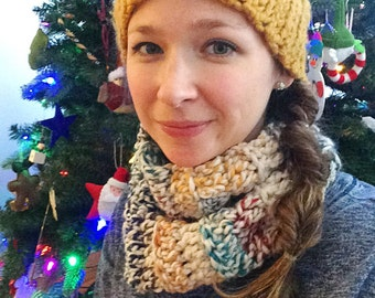 Adult cowl. Multi color cowl. Warm cowl. Wool blend cowl. Hudson Bay cowl. Crochet cowl. Handmade cowl. Ready to ship.