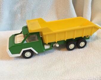 Vintage cool, Tootsie toy dump truck 1970