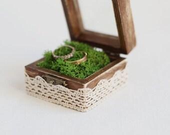 Rustic Wedding Ring Box With Moss - Glass Box, Ring Bearer Box, Box With Lace Trim, Romantic Wedding, Shabby Chic, Wedding Ideas, Romantic