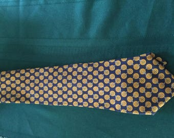 Chanel Men's 100% silk necktie made in Italy:Geometric Logo blue/yellow/gold ; Excellent Vintage