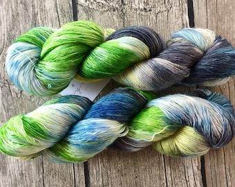 Es-Ca-Pe - Superwash Merino Hand Dyed Yarn - Lace Weight yarn - Hand Dyed Yarn