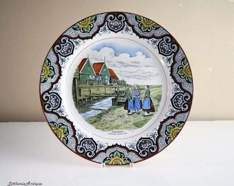 Vintage Societe Ceramique Maesrtricht Made in Holland 'Marken. Jeusdige Buurtues.' Decorative Dutch Rural Scene Retro Wall Hanging Plate