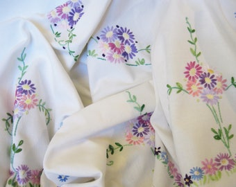 Large Hand Embroidered Daisy Tablecloth, Vintage Linen Tablecloth with Pink and Lilac Daisies