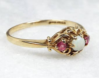 Vintage 1988 9ct Gold Art Nouveau Style Ornate Opal and Ruby Ring / Size M 1/2