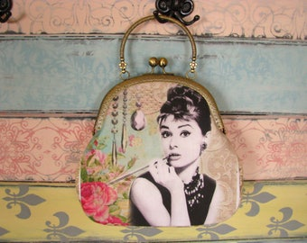 Vintage evening clutch purse with Audrey Hepburn, kiss lock purse, metal frame purse, purse with handle