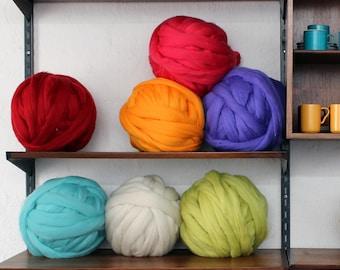 1 - 2 kg Arm Knitting Merino Wool. 3 inch stitch. 19 Microns. Extreme Knitting. Wool Roving.