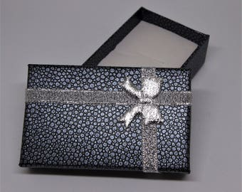 Box jewelry holders silver and black, with decorative bow