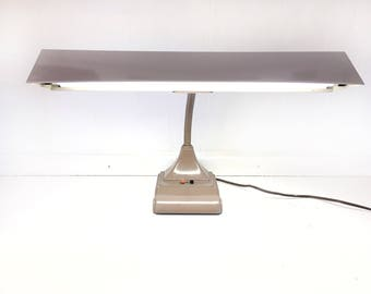 Mid Century Art Specialty Gooseneck Lamp|MCM Industrial Metal Flourscent Desk Lamp