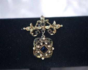 Vintage Black Rhinestone Faux Pearl in Antiqued Gold Tone Brooch