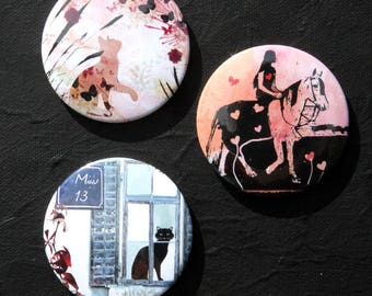 3 dress magnets with art... extensive accessory 2