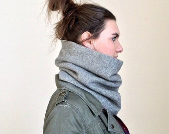 HERRINGBONE wool cowl scarf / warm gray circle scarf