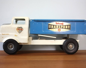 A pressed steel Triang truck.