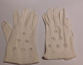 Ladies White Beaded Gloves
